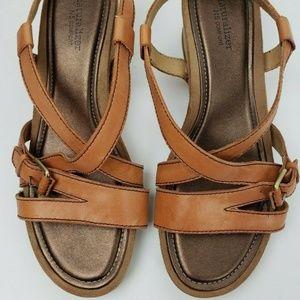 NATURALIZER N5 Comfort Tan Leather Wedge Sandals